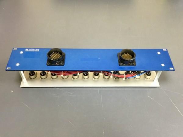 GEBRAUCHT: Audioverteiler 37-polig; 2x Sockel male, 12x XLR male rückseitig